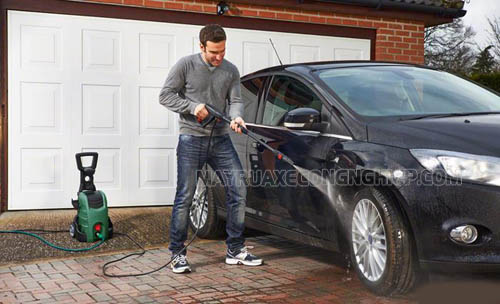 Máy rửa xe gia đình có thiết kế nhỏ gọn, áp lực nước lớn, xịt rửa mạnh mẽ