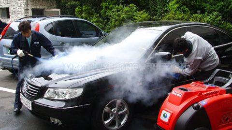 Máy rửa xe hơi nước nóng có sạch và an toàn cho xe không?