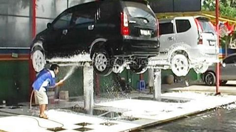 Tiệm rửa xe chuyên nghiệp cần những loại máy nào?