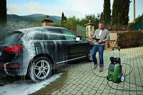 Cần rửa xe ô tô theo đúng quy trình chuẩn