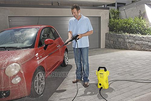 Máy rửa xe gia đình sở hữu nhiều ưu điểm vượt trội, xứng tầm đầu tư cho người dùng hiện nay