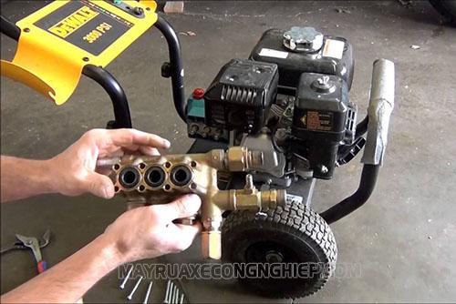 Người dùng cần chú ý lựa chọn địa chỉ sửa chữa máy rửa xe cao áp uy tín