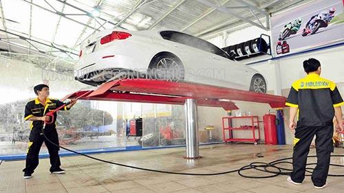 Những đơn vị cung cấp dịch vụ rửa xe ô tô chuyên nghiệp luôn trang bị đầy đủ các thiết bị