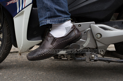 Xe máy bị kẹt số là sự cố thường gặp trên dòng xe số