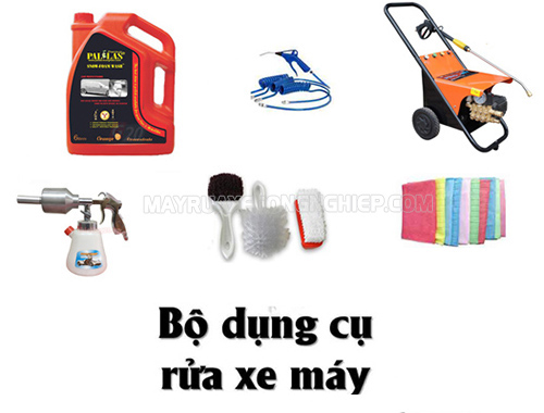 Chuẩn bị đầy đủ dụng cụ rửa xe máy tại nhà