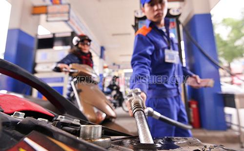 Chọn loại xăng phù hợp với xe để tránh tình trạng xe bị hụt hơi