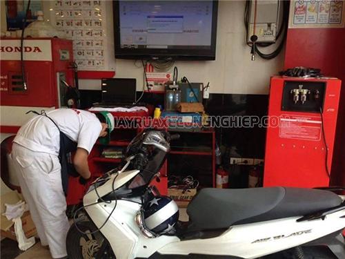 Sửa chữa xe máy bị rung lắc đầu