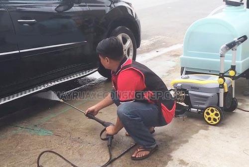 Người dùng cần chú ý đọc kỹ hướng dẫn sử dụng máy rửa xe cao áp để dùng máy hiệu quả