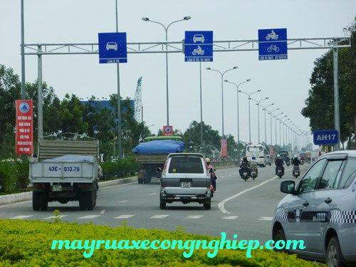 Phân chia làn đường dành cho các phương tiện