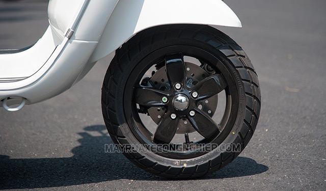 Bơm lốp xe máy quá căng