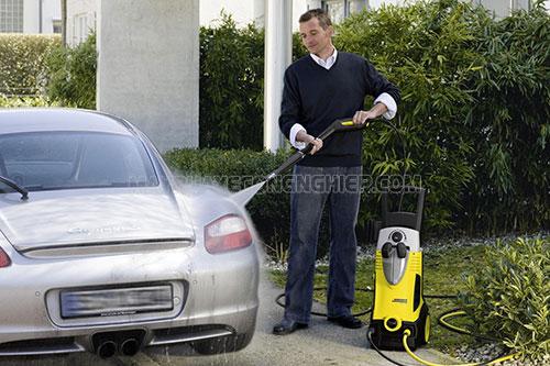 Ưu nhược điểm máy rửa xe mini