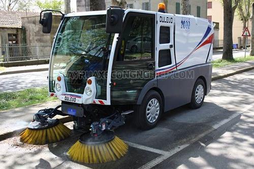 Xe quét rác có mùi khét khi hoạt động