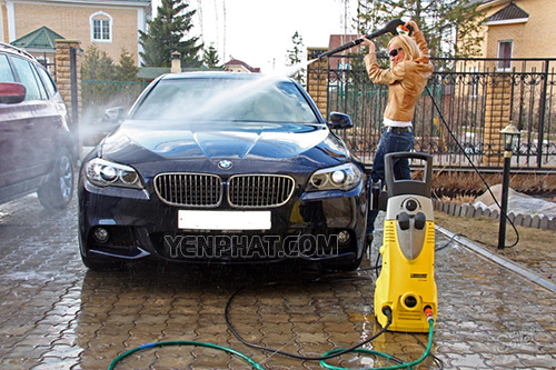 Máy rửa xe ô tô gia đình