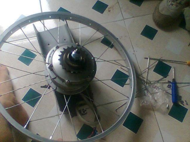 Xe đạp điện có bánh xe bị láng làm phát sinh âm thanh lạ