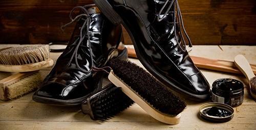 Cách chọn bàn chải đánh giày phù hợp với đôi giày của bạn