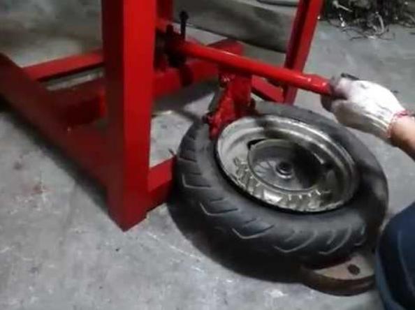 Hạn chế của máy ra vào lốp tự chế