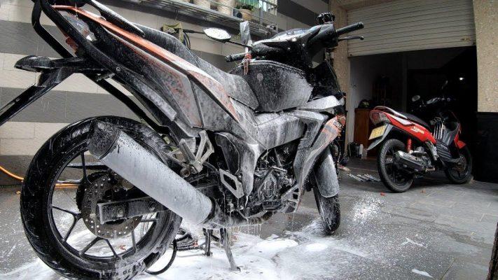 Rửa xe bọt tuyết có nhiều ưu điểm nổi bật hơn cách rửa truyền thống