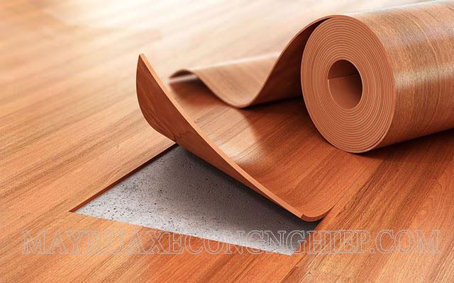 Cách vệ sinh sàn nhựa giả gỗ đúng